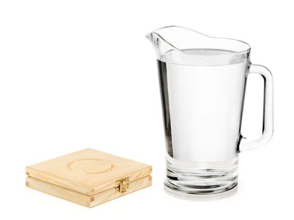 Aktywna podstawka na której stoi dzban wody